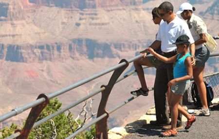 Obamas-at-Grand-Canyon