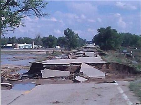 Road-damage-Colorado-floods-2013
